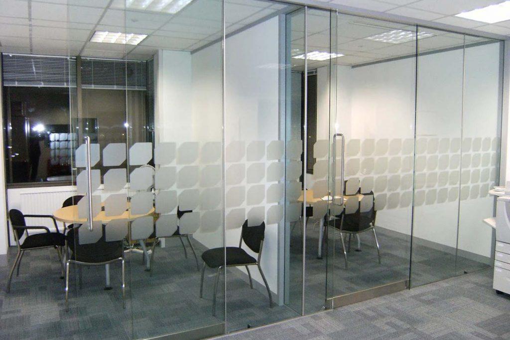 Kantar, Hanger Lane, London. Frameless Glass Partitioning